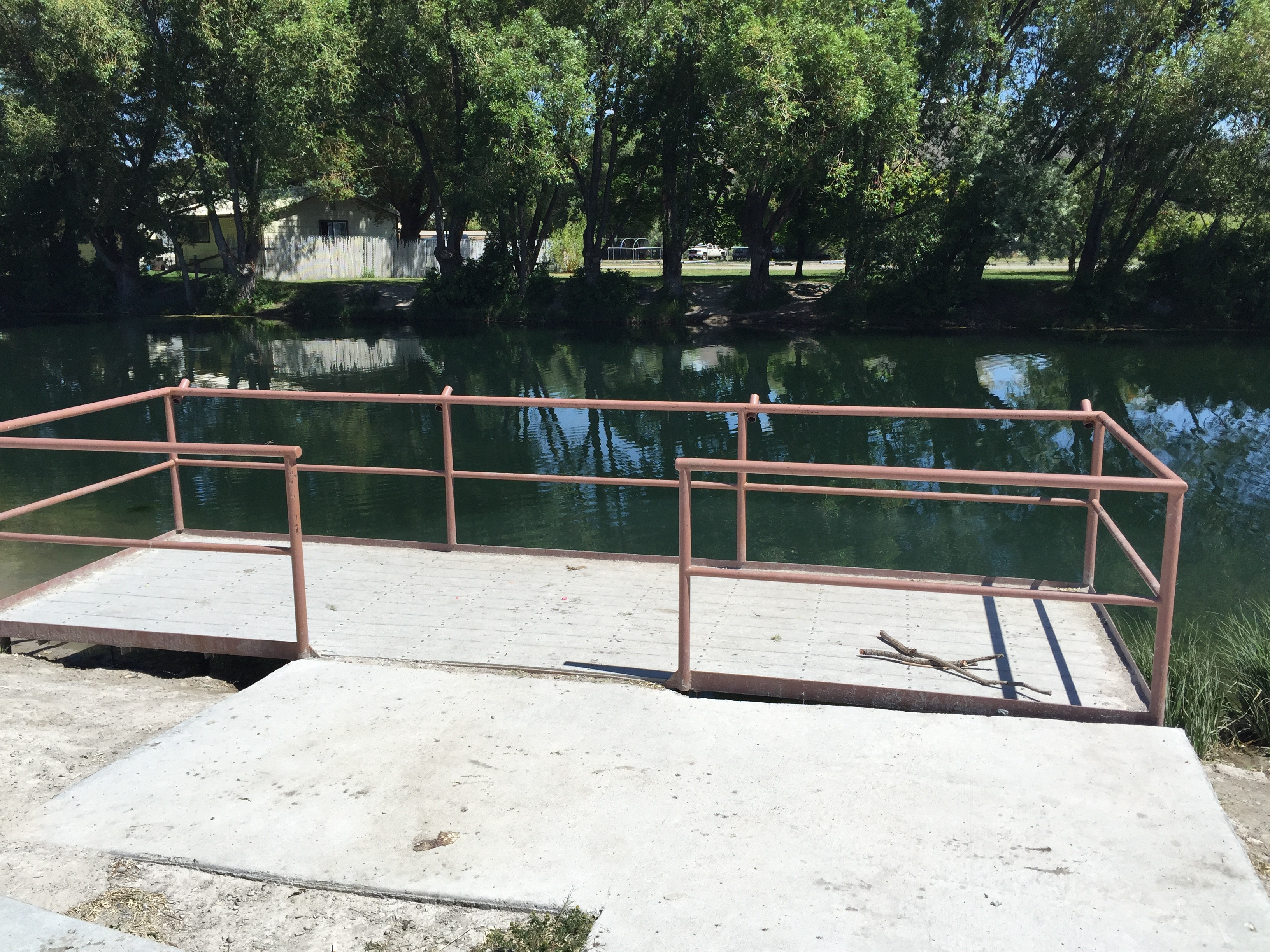 Hayspur fish hatchery handicapped disabled fishing dock access June 2015