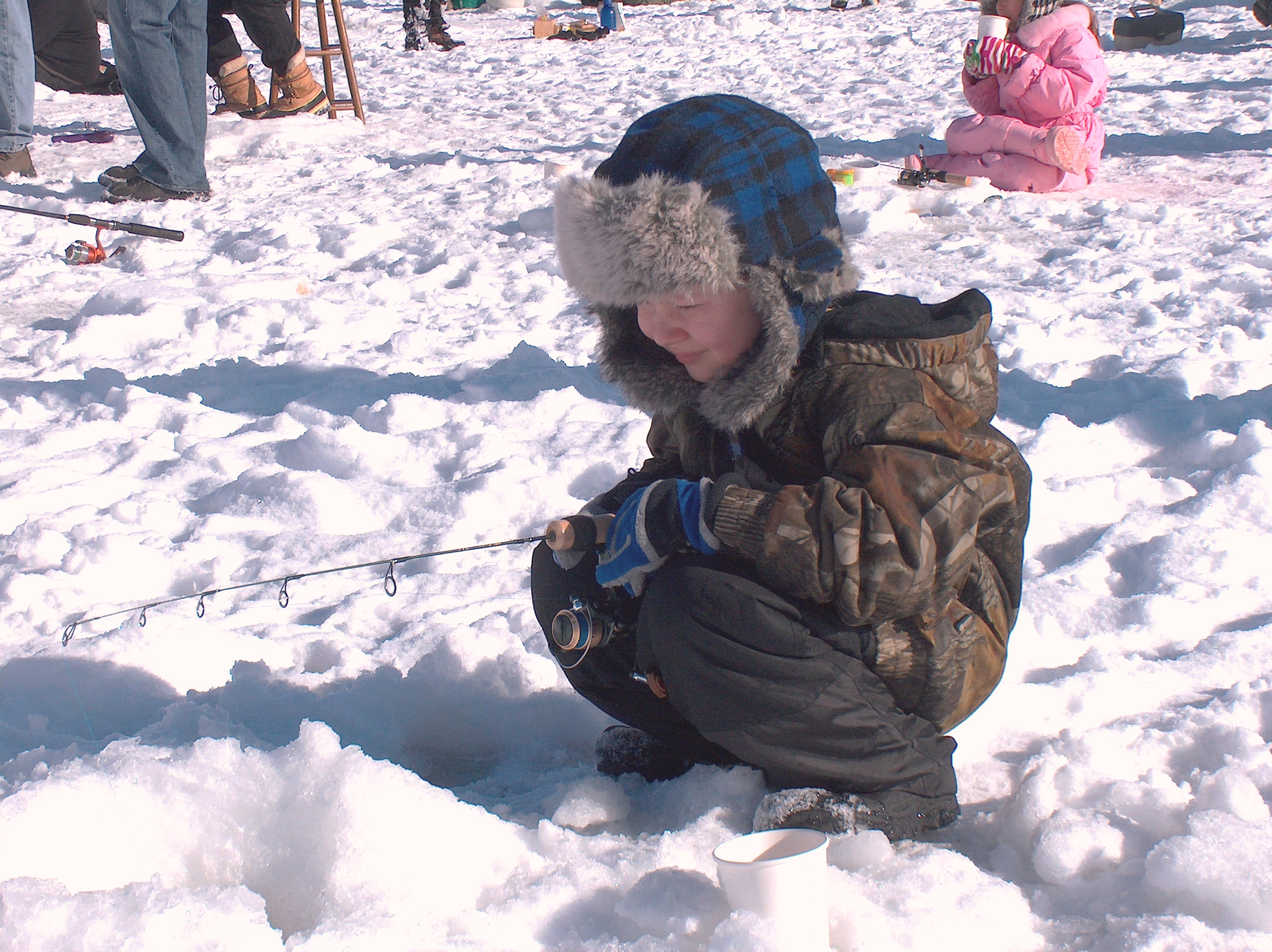 ice_fishing_kid