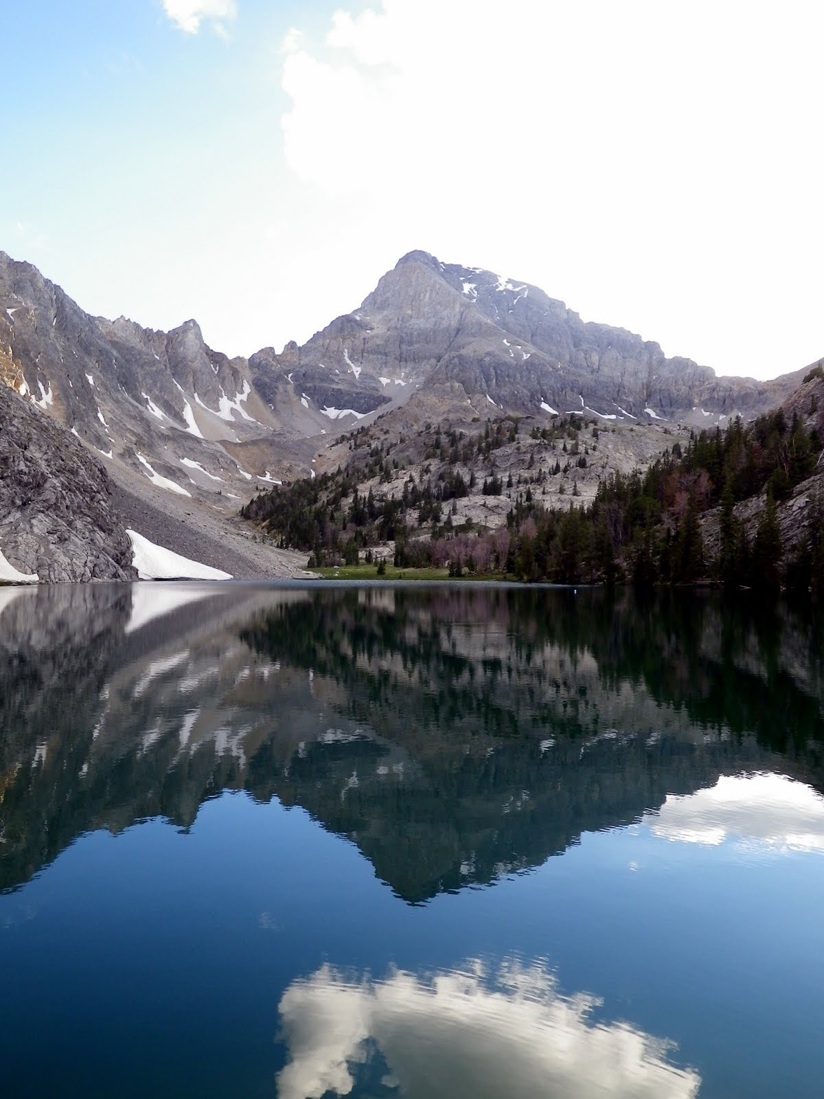 Alpine lake 02