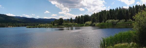 Summer day at Horsethief Reservoir