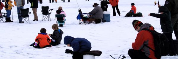Ice fishing, Horsethief Reservoir, Southwest Region