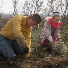 Father and daughter planting. IDFG Photo by Mary Dudley