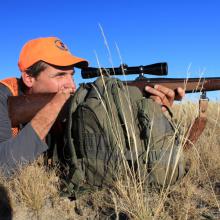 antelope rifle hunter / Mike Demick, IDFG